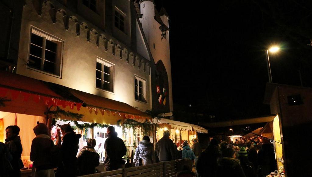 Mittelalterlicher Weihnachtsmarkt.Mittelalterlicher Weihnachtsmarkt 2018 Marktstande